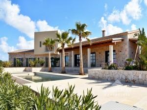 Casa de campo moderna cerca de Cap Salines