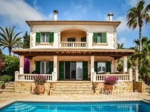Chalet Mediterráneo con piscina en Cala Figuera