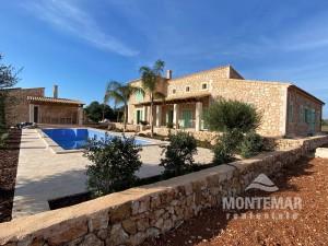 Villa de piedra natural en venta o alquiler con opción a compra en Felanitx